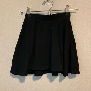 Girls Fabkids black skirt size 8/10 G14